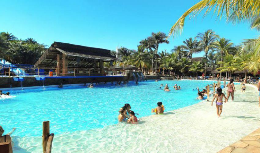 Thermas dos laranjais hotel pousada brilho do sol for Piscina de sal em olimpia